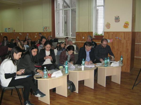 elevii-de-gimnaziu-mici-poeti-talentati-4b