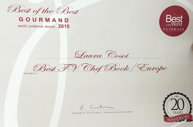 """Laura Cosoi, premiată la Frankfurt pentru """"Rămâi la masă?"""""""