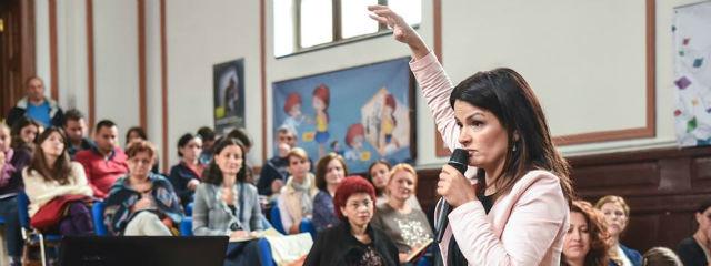 Oana Moraru-despre activitatea didactică din spatele catedrei în ciclul preșcolar, primar și gimnazial