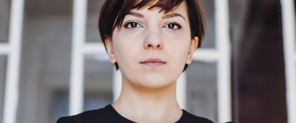 Elena Calistru despre Funky Citizens și factual.ro în Decât o Revistă