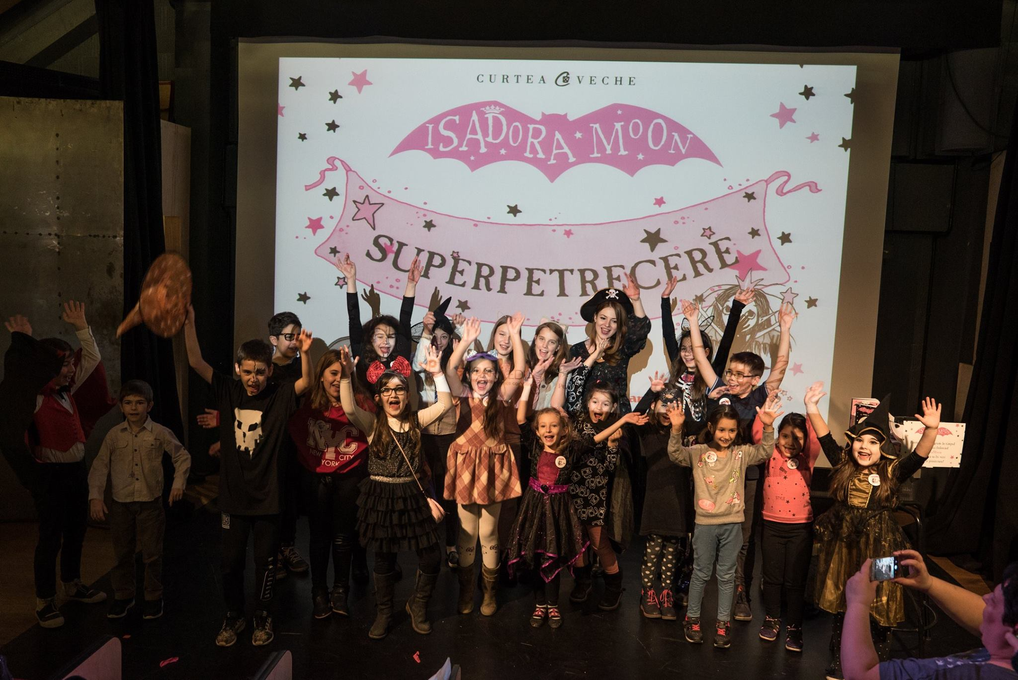 """Seria """"Isadora Moon"""" s-a lansat în România printr-o super-petrecere pentru copii"""