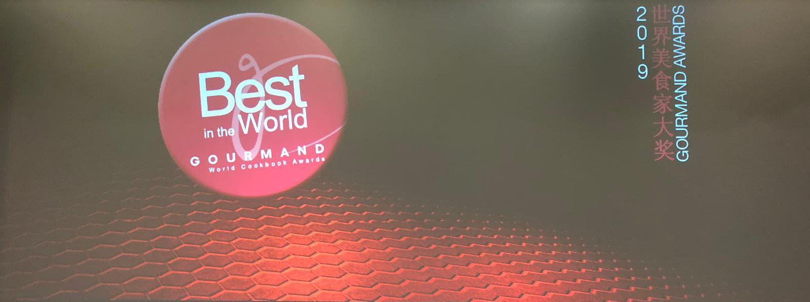 """""""Forma gustului"""" de Laura Cosoi a primit Premiul Special al Juriului la Gourmand World Cookbook Awards"""