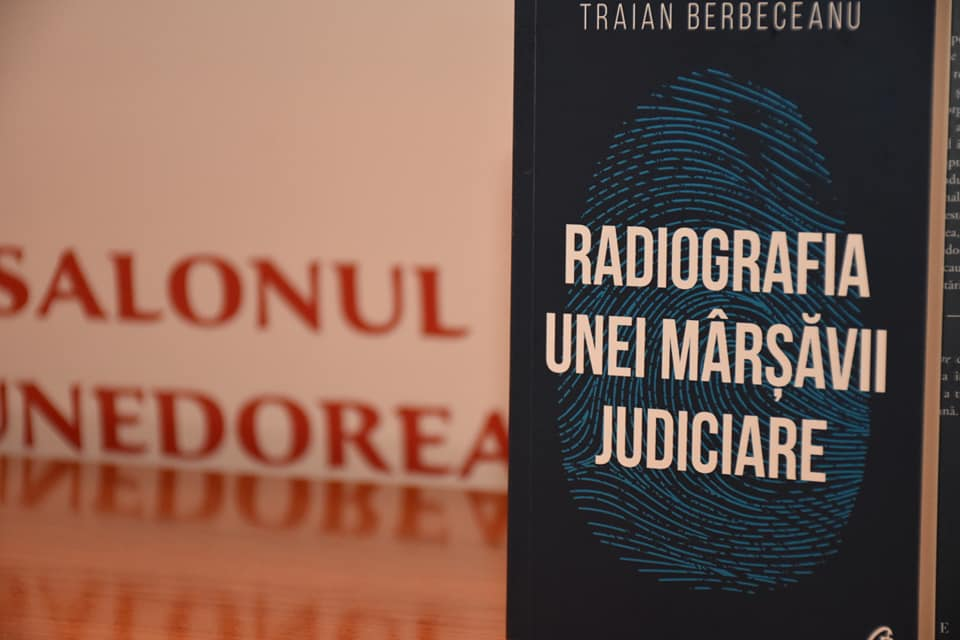 Traian Berbeceanu și-a lansat cartea în Deva, orașul său natal